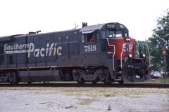 Southern Pacific B30-7 #7818 at Auburn IL on 5/23/96 (LE_Irvin) Tags: southernpacific b307 auburnil
