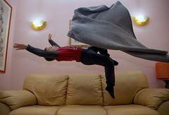 Per volare bisogna crederci (Marco Damilano) Tags: jump child bambini salti