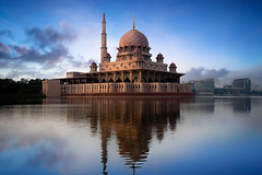 Putra mosque (Patrick Foto ;)) Tags: city morning travel sunset red sky lake reflection building tourism nature water beautiful architecture modern sunrise river landscape asian evening worship asia view dusk minaret muslim islam famous religion pray culture landmark scene mosque structure malaysia dome kuala putrajaya masjid lumpur allah islamic putra wilayah my wilayahpersekutuanputrajaya