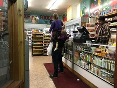 Dad Has Two Girls on His Back, Whole Food Market, Haight/Fillmore, San Francisco (Lynn Friedman) Tags: sanfrancisco girls fashion children store dad grocery piggyback 94117 wholefood lynnfriedman