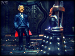 I approve of your new face, Doctor. So much more like mine. (Rooners Toy Photography) Tags: toys who doctorwho bbc scifi sciencefiction figures davros daleks thedoctor timelord petercapaldi 12thdoctor rooners tarcovendingmachinefigures rtpinstagram