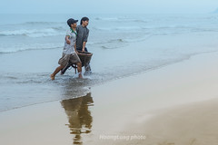K0229.1011.Hi Thnh.Hi Ha.Tnh Gia.Thanh Ha (hoanglongphoto) Tags: life morning sea people men beach water canon asian asia outdoor vietnam sands bin morningbeach seasurface nc peoplefishing thanhha vietnampeople vietnamlife cucsng ithng ngoitri daillylife canoneos1dsmarkiii tnhgia conngi chu ngnam nng bict hithnh buisng hiha binvitnam vietnamsea cucsnghngngy dnchi mtbin canonlensef85mmf12lusm vietnamdaillylife cucsngvitnam ithngvitnam buisngtrnbibin