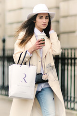 Rare shopper (Stuart Mac) Tags: woman beauty look hat fashion walking candid rare 135mm d700