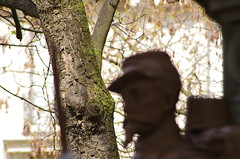 Paris Avril 2016 - 193 Cimetière du Père Lachaise (paspog) Tags: friedhof paris france spring april avril printemps frühling pèrelachaise cimetière 2016 cimetièredupèrelachaise cemeteruy