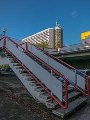 TU Dortmund-der Weg nach oben (Peter L.98) Tags: himmel treppe gelnder mathetower