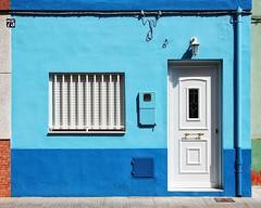 house #75 (dan.boss) Tags: blue espaa house valencia facade nikon elpalmar d40 nikond40