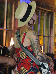 Clarksdale - Girl With Greek Tattoos (Drriss & Marrionn) Tags: music usa tattoo musicians architecture lady mississippi restaurant hotel bluegrass livemusic performance banjo indoor shack venue shacks greektattoo clarksdale shackupinn bluegrassmusic