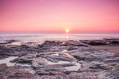 Sun set (Thomas SOULAT) Tags: pink sea sky sun france color water set canon surf wave goodbye reef nantes filtres bretignolle sauzai