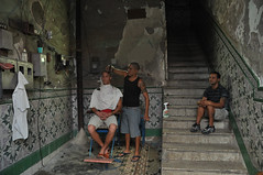 The barber of Santiago de Cuba (magbrinik) Tags: old havana cuba barbershop barber trinidad santiagodecuba reportage oldhavana travelportrait enviromentalportrait astoundingimage travelreportage flickrtravelaward architetturadecadente