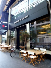 Sticks n Sushi, Canary Wharf, E14 (Ewan-M) Tags: england london bars japanesefood canarywharf e14 rgl sticksnsushi japaneserestaurants londonboroughoftowerhamlets needsrglreview crossrailplace