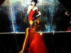 Anna May Wong Evening (failing_angel) Tags: usa newyork manhattan 5thavenue hautecouture metropolitanmuseumofart johngalliano 290515 chinathroughthelookingglass houseofdior annamaywongeveningdress