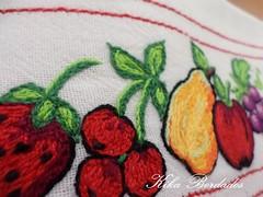 KikaBordados Kika  Krauss 140 (Kika Bordados by Angelica Krauss) Tags: flowers flores frutas fruits branco cores crochet craft bordados bordado croche panosdepratos bordadosfeitomo kikabordadoskikakrauss