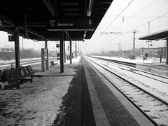 train station Herford Germany 26th January 2014 snow  26-01-2014 12-23-039 (dennoir) Tags: snow station train germany january herford 26th 2014 122344 26012014