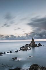 Cala de las sirenas (Vanesa Naranjo) Tags: plaza las del de mar grande los cabo playa gata toros muertos almera dedo cala cerrillos roquetas arrecife seor sirenas barronal