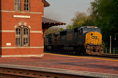 15-2230 (George Hamlin) Tags: railroad light brick station train point photography photo george rocks warm afternoon diesel platform maryland late locomotive coal empties decor hopper freight csx hamlin emd 4553 sd70