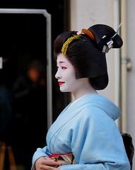 (-6 (nobuflickr) Tags: japan kyoto maiko geiko        gionkoubu  20160113dsc08432