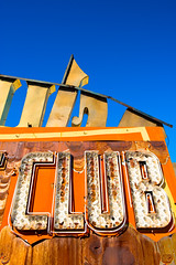 CLUB (Sam Scholes) Tags: old trip las vegas blue vacation orange graveyard sign museum us neon unitedstates lasvegas anniversary nevada neonsign oldsign signgraveyard neonsignmuseum theneonmuseum