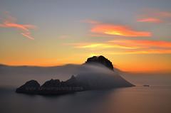 Nubes orogrficas (Xavier Mas Ferr) Tags: sunset sea clouds atardecer islands mar ibiza nubes eivissa mediterrneo balears esvedranell esvedr photopills