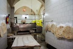15  Kashan, Iran (Muchu_1995) Tags: bread iran bakery kashan oldcity panaderia 2015 iranianbread hornodepan iranianbakery panirani