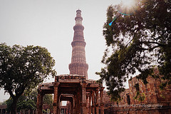 Qutub Minar [P1] (sanyagupta09) Tags: new travel sun monument beautiful architecture photography niceshot arch sony exploring arches monuments photooftheday picoftheday bestshot capturing travelphotography sonyalpha sonydslr travelphotographer
