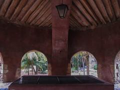 "Valladolid: la cenote Sis-Ha du couvent de San Bernardino <a style=""margin-left:10px; font-size:0.8em;"" href=""http://www.flickr.com/photos/127723101@N04/25656529680/"" target=""_blank"">@flickr</a>"