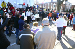 PeaceRally-SO-032016_3574 (newspaper_guy Mike Orazzi) Tags: nikon downtown nazi ct fliers firstcongregationalchurch peacerally southington