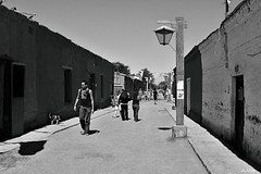 SL30_0001_zaB_Afx (A. Neto) Tags: chile street old people bw architecture blackwhite desert samsung atacamadesert sl30