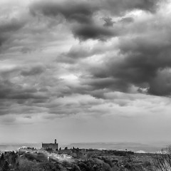 cielo invernale della toscana (Sergey S Ponomarev) Tags: voyage city travel winter sky bw italy church nature clouds canon landscape eos europe italia volterra natura bn hills chiesa journey tuscany february toscana paysage inverno paesaggio biancoenero citta slopes 2016           70d sergeyponomarev ef24105f40l