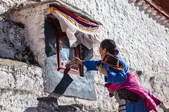 Donating (Kelvinn Poon) Tags: tibet lhasa  potalapalace