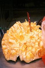 Jack Fruit conquered (iheresss) Tags: film 35mm thailand kodak knife filmcamera ricoh jackfruit compactcamera negativefilm f32 135film supergold400 ff3afsuper
