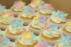 Bunch of Flowers (Cake O'Clock) Tags: pink flowers blue green yellow cupcakes pretty pastel cupcake gift bunch toppers topper cakeoclock