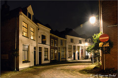 Molenstraat, Noordenbergkwartier (Hans van Bockel) Tags: photoshop nikon long exposure raw nef tripod thenetherlands avond deventer nbk vanguard molenstraat nld statief noordenbergkwartier 1680mm d7200