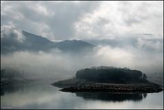 (2214) Boira (QuimG) Tags: fog landscape paisaje bn niebla paisatge alacant boira pasvalenci specialtouch quimg poblesdevalncia beniarrs quimgranell joaquimgranell afcastell obresdart embassamentdebeniarrs