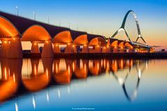 De Oversteek (Sander Grefte) Tags: nightphotography bridge blue reflection night nijmegen reflections 50mm nikon hour brug waal reflectie reflecties oversteek