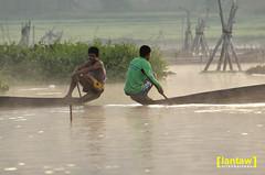 Small talk (lantaw.com) Tags: lake dailylife lakesebu dugoutcanoe tboli southcotabato lakeseloton