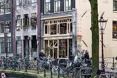 Amsterdam: Singel. (parnas) Tags: amsterdam nederland streetphotography canals singel grachten straat
