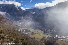 Encamp, Principat d'Andorra (kike.matas) Tags: nature canon nieve pueblo valle paisaje nubes invierno casas andorra montaas pirineos andorre encamp principatdandorra kikematas canoneos6d lightroom4 canoneff28liiusm