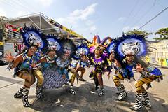 Fiesta_de_Fantasia_2016_Carnaval_de_Barranquilla-31 (Ignacio Ramírez Torrado) Tags: carnival portrait people colors animals canon leaf reina colombia mask retrato queen tokina carnaval angular mascaras barranquilla sigma85mm