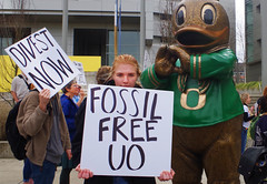 Divest-UO 2 University of Oregon (Wolfram Burner) Tags: school college campus fossil justice duck university board protest uo burner climate league uofo universityoforegon uoregon wolfram sitin fuels environement boardoftrustees trustees divest unversityoforegon