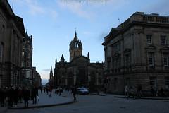 Édimbourg - Edinburgh (benoit871) Tags: castle plane edinburgh hill scottish palace palais neige chateau holyroodhouse caltonhill calton ecosse édimbourg realmarykingsclose palaisholyroodhouse
