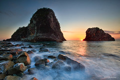 Izu senganmon Rock (koshichiba) Tags: tide wave topaz sea sunset matsuzaki senganmon izu japan landscape seascape rock nature long exposure 千貫門 伊豆 夕陽 海 海岸 岩 松崎町 雲見