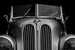 BMW Portrait (Blende1.8) Tags: auto portrait white black classic monochrome face car canon eos classiccar gesicht headlights grill bmw oldtimer headlight grille monochrom weiss schwarz automobil klassiker windschutzscheibe scheinwerfer schwarzweis khlergrill 40d carstenheyer
