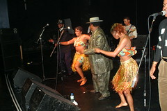 DSCF0033 (photographer695) Tags: 2003 from man london town hall cross bongo july kings kanda 13 drc