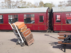Luggage trolley and BR Mk. I carriages (James E. Petts) Tags: br trolley leicester luggage mark1 greatcentralrailway preservedrailway railwaycarriage