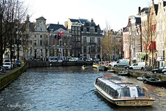 Herengracht - Amsterdam (Cajaflez) Tags: cars water amsterdam nederland thenetherlands autos herengracht gracht vlag rondvaartboot platinumheartaward