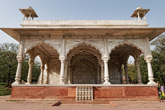 Sawan Pavilion - Red Fort (marko.erman) Tags: city flowers red india heritage architecture hall site sandstone audience fort piers delhi sony arches palace unesco worldheritagesite pavilion marble btiment emperor colonnade shah colonne redfort arche jahan inlaid sawan mughal bhadon