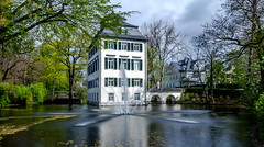 Holzhausenschlchen (Lothar Drewniok) Tags: longexposure primavera germany frankfurt architektur alemania frankfurtammain frhling nordend lichtundschatten longshutterexposure lothardrewniok holzhausenschlschen