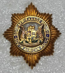 South Africa Police (Sin_15) Tags: africa south police cap badge law enforcement insignia beret