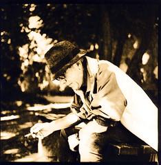 Easylith (Claudio Taras) Tags: street shadow portrait 6x6 mediumformat monochrom lithprint 100asa controluce trier taras streetshot contrasto fomapan rolleiflex35f microphen easylith easylithmoersch fomafomatonemg131 2525500