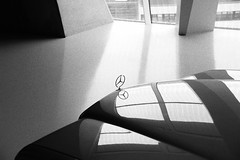 les reflets 1977 (Nicolas Fourny photographie) Tags: blackandwhite bw canon mercedes classiccar vintagecar noiretblanc sigma mercedesbenz 18200 w123 youngtimer 600d mercedesbenzmuseum mercedesmuseum mercedesw123 s123 mercedess123